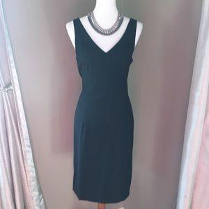 Theory V neck sleeveless little black dress size 8